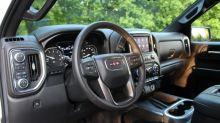 2020 GMC Sierra 1500 Interior Driveway Test | Still lagging behind
