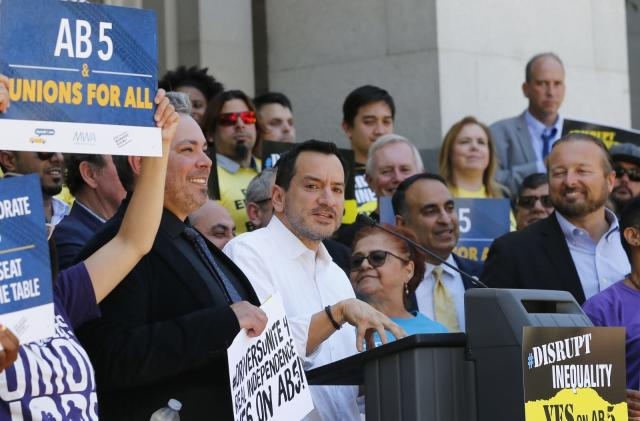 Uber and Lyft allegedly paid drivers to rally against employee status