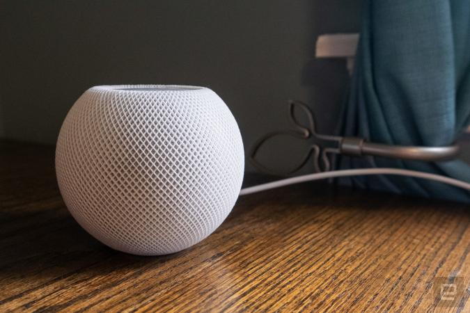 Apple HomePod mini review photos.