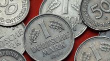 Vorweihnachtliche Überraschung: D-Mark-Schätze schlummern in Schubläden