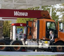 Man pumping gas at convenience store killed, shooter dead