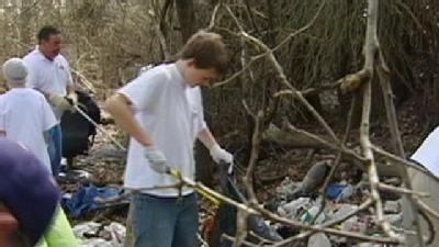 Volunteers Clean Up Homeless Camps