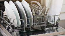 Dieser Trick hilft gegen schlechte Gerüche in der Spülmaschine