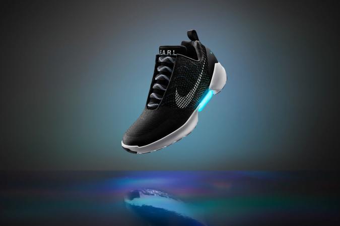 Nike's self-lacing HyperAdapt shoes go on sale November 28th