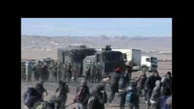 Riot police, miners clash in Chile