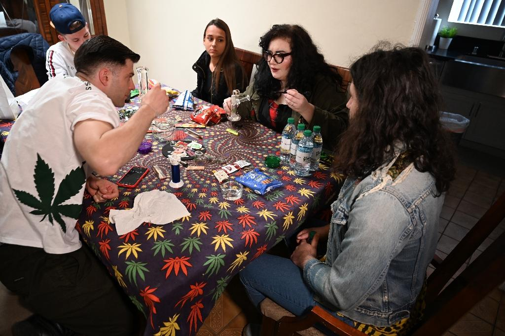 One inevitable stop on LA's pot tourism outing is a smoking session at someone's home (AFP Photo/Robyn Beck)