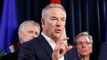 Suncor Energy not trimming oil output as rivals pull back