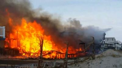 Raw: Fire Destroys 3 N.J. Beachfront Homes