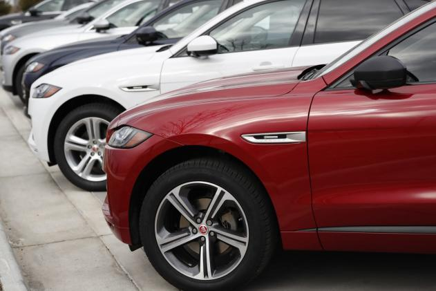 UK government puts $620 million behind Jaguar Land Rover's EV push
