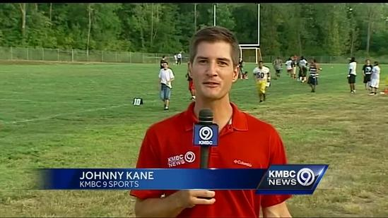 Chiefs tight ends join KC kids for football practice