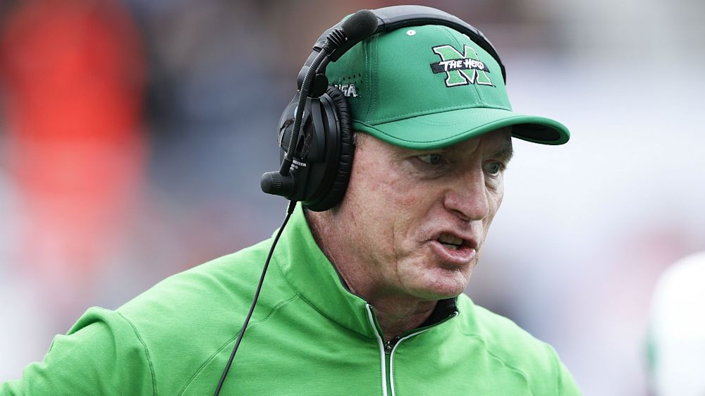 West Virginia governor reportedly wants Marshall coach Doc Holliday fired
