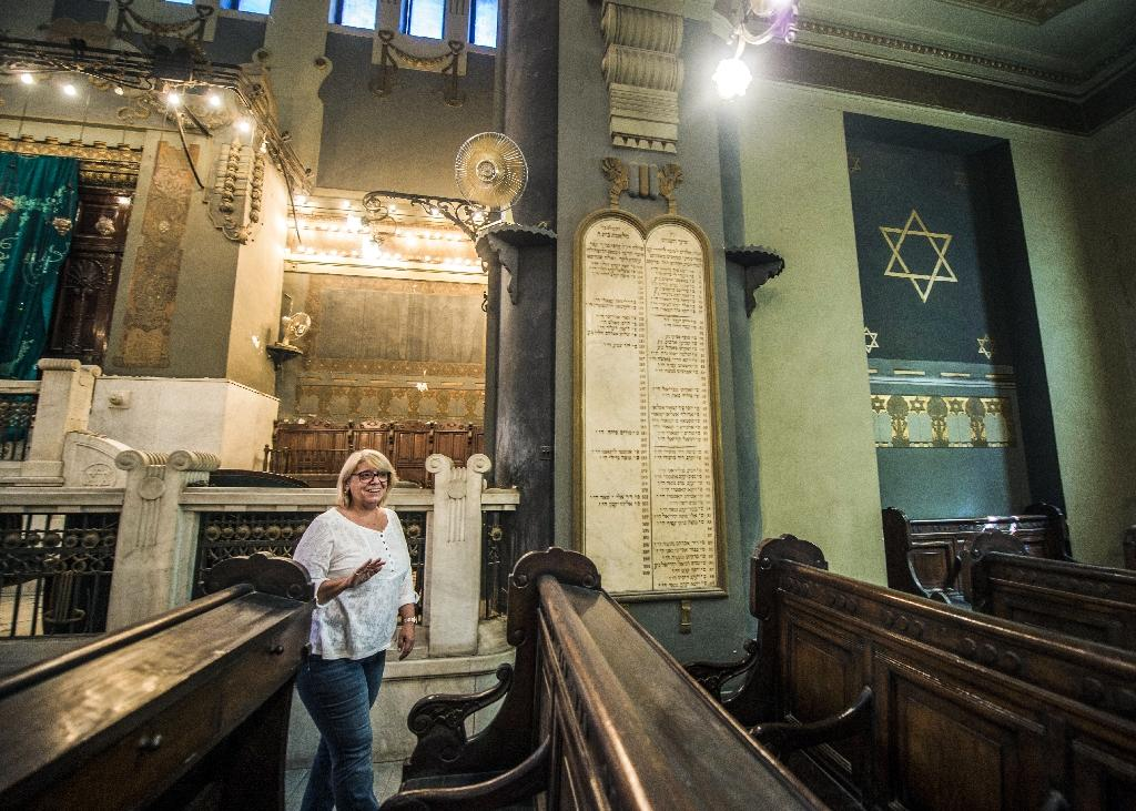 The president of the Egyptian Jewish Community, Magda Shehata Haroun, at the Shaar Hashamayim Synagogue in Cairo (AFP Photo/KHALED DESOUKI)