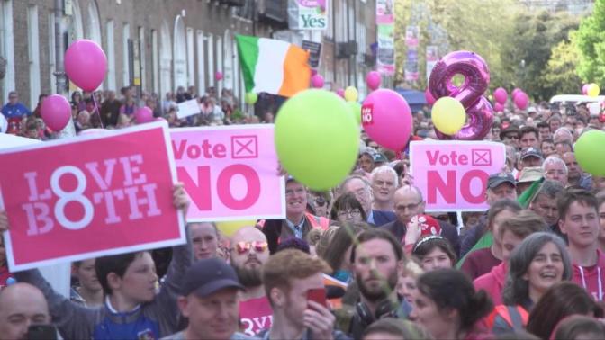 Référendum sur l'avortement: l'Irlande divisée