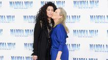 Besos, glamour y mucha alegría en la premiere mundial llena de estrellas de Mamma Mia! Una y otra vez