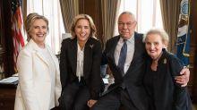 'Madam Secretary' Casts Hillary Clinton To Play Herself In Season 5 Premiere