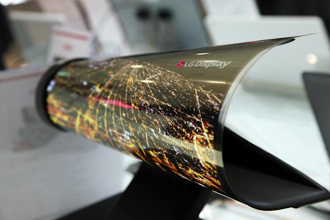 LG will show off its paper-thin, rollable OLED panel at CES