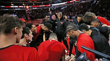 Bus mishap only adds to Bulls' troubles