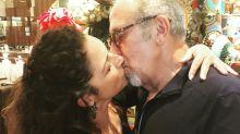 Gloria y Emilio Estefan sorprenden a todos con estre apasionado beso