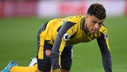Arsenal ready to sell £25m Ox to Liverpool