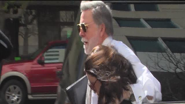 Casey Anthony enters Tampa court