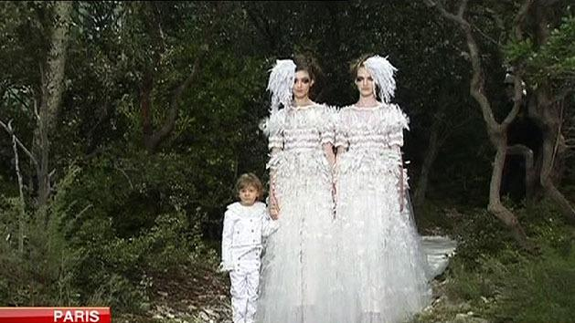 Lagerfeld supports gay marriage