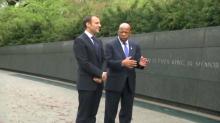 Macron visite le Mémorial Martin Luther King en compagnie d'un opposant à Trump