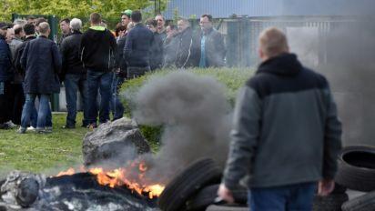 Métallurgie: des salariés de la tuberie de Saint-Saulve en grève