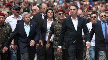 Maioria dos brasileiros é contra a presença de militares no governo, diz Datafolha