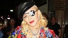 Madonna métamorphosée : chevelure rose et visage modifié… Ses fans ne la reconnaissent pas