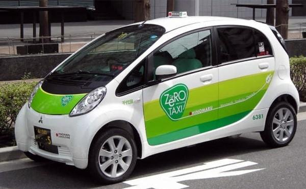 Mitsubish i MiEV gets a job as an oil-scented taxi in Tokyo