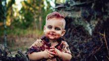 Disfraza a su bebé de zombie, ¡e internet la odia!