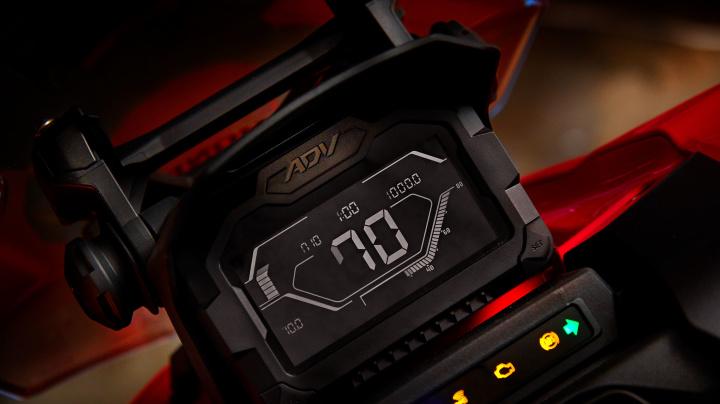 Honda ADV vem com painel 100% digital