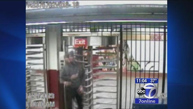 String of robberies at Manhattan and Brooklyn subway stations