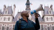 """""""Sa gueule, il en a fait son atout"""" : on vous présente Jean-Pascal Zadi, qui explose à l'affiche du film """"Tout simplement noir"""""""