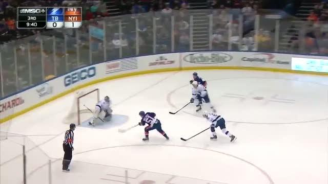 Michael Grabner sets up Frans Nielsen