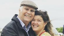 Daughter gets job at care home so she can see her dad during the pandemic