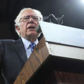 DNC Apologizes to Bernie Sanders for 'Inexcusable Remarks' in Leaked Emails