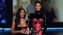 Tierra, trágame: el ridículo de las Kardashian en los Emmy 2019