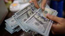 Dólar cae frente al euro tras dato mejor a lo esperado sobre crecimiento chino