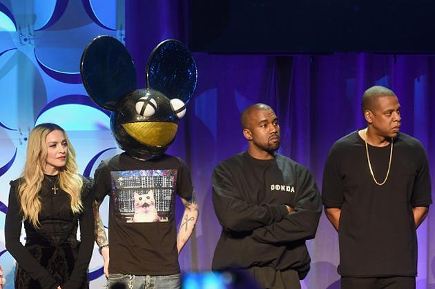 Apple is reportedly trying to poach artists from Jay Z's music service