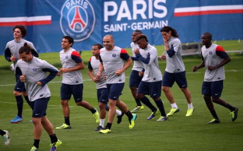 Suivez la reprise de l'entraînement du PSG en direct !