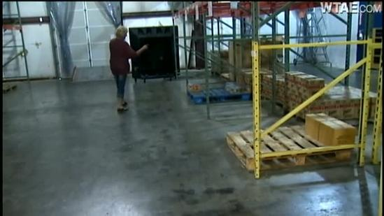 Last-minute donation aids struggling food bank