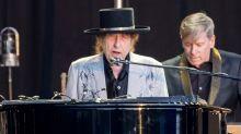 Bob Dylan insinúa que vivió un romance con Sharon Stone