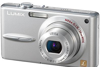 Panasonic's DMC-FX30 wide-angle 7.2 megapixel shooter: not quite the world's slimmest
