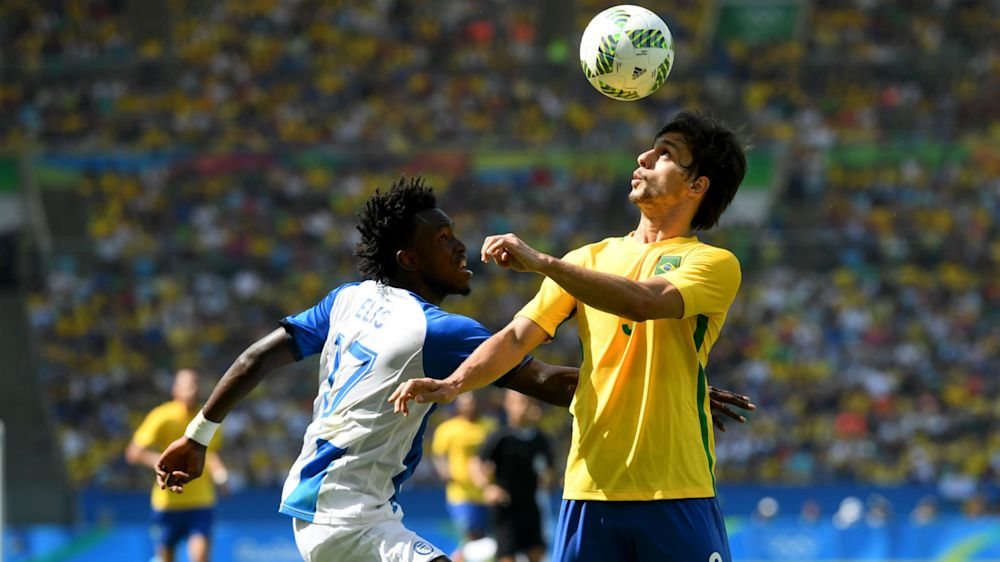 Brazil's Caio replaces injured Silva