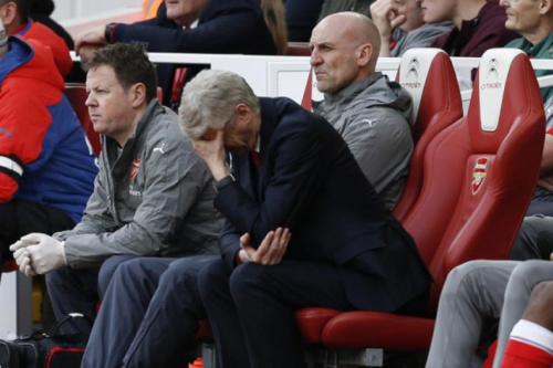 Wenger: 'Jogadores têm medo de não cumprirem as expectativas'