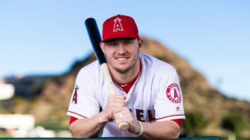 Emoji-palooza as MLB reacts to Trout extension