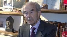 """Assassinat de Samuel Paty : Robert Badinter appelle à défendre """"la République"""" face aux """"champions de la mort"""""""