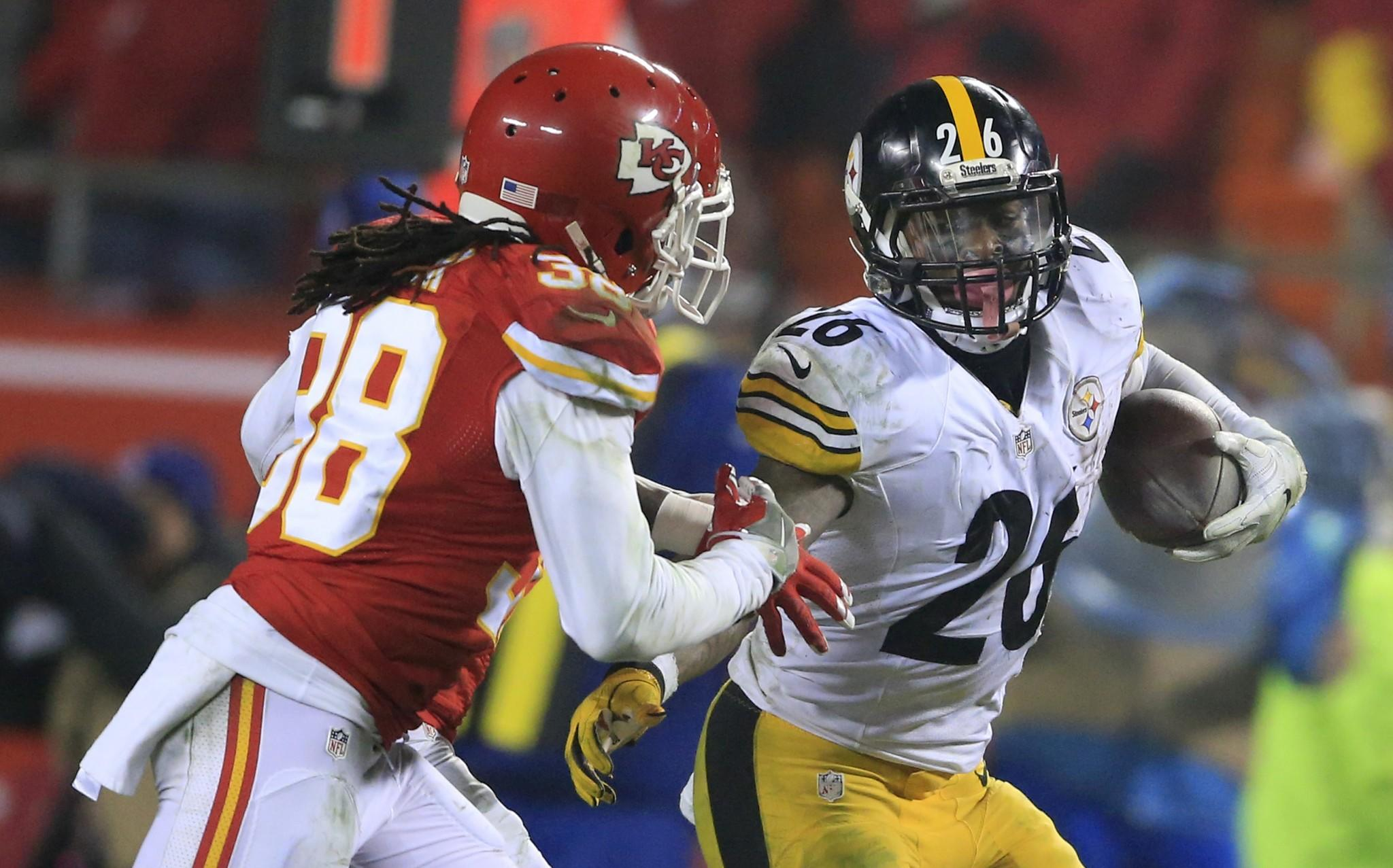 Le Veon Bell sets playoff rushing record as Steelers beat Chiefs