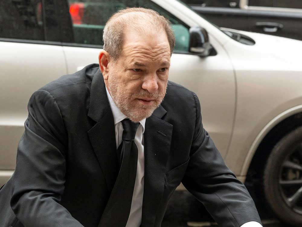 Wird Harvey Weinstein im Gefängnis ununterbrochen gefilmt?